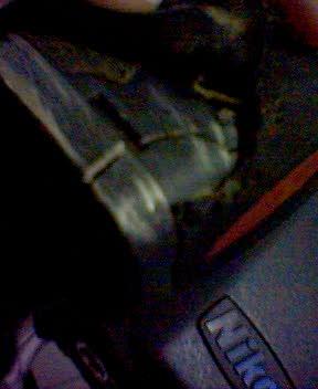 電池盒碎裂
