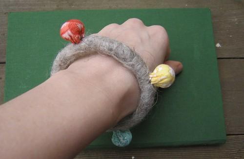 felt_bracelet
