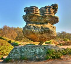 Balancing Rock photo by JuanJ