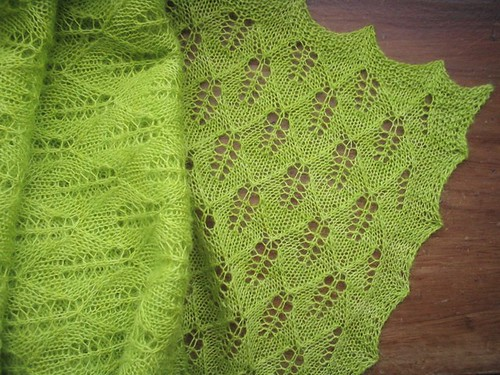 green leaves shawl folded