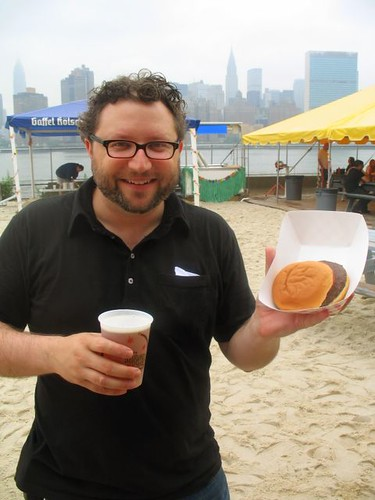 Podcast #24: Gothamist and A Hamburger Today 2006 Burger Beach Party QBQ