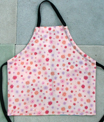 reversible mini apron - cooking side