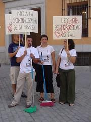 stop exclusión 03