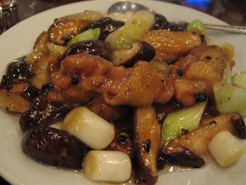 椎茸と鶏肉の炒め物