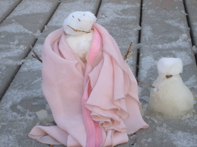 snowfamily with scarf