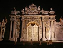 Dolmabahçe Sarayı'nın girişi