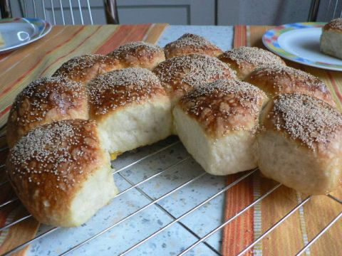 Make-ahead buttered poppy seed rolls