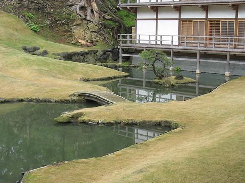 Kamakura - hram, malo jezero