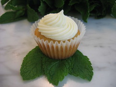 mojito cupcake mint leaves