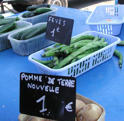 Market stand, Velleron, Provence, France