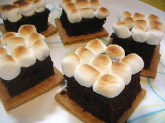 s'mores mini-cakes