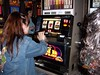 Paris Las Vegas - Jenni playing slots