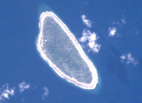 Tepoto Island FP - ISS002-E-8862