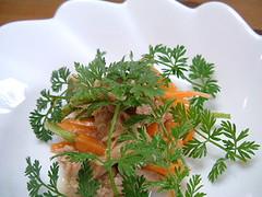 ミニニンジンとツナの葉っぱいっぱいサラダ