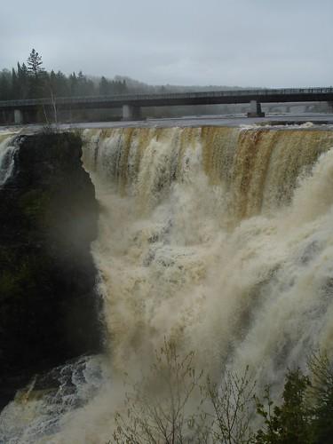 Kakabeka Falls in Rain (18)