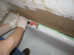 removing caulk 3