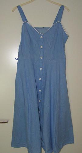 vitblåklänning