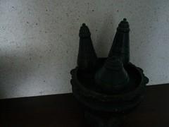 做成塔形狀的沐浴用品罐