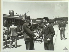 BP- 11 février 1941Sydney embarkation André Brenac, leader of the Free French in Australia says farewell to Alfred Chatenay -Livre d'or des Français Libres