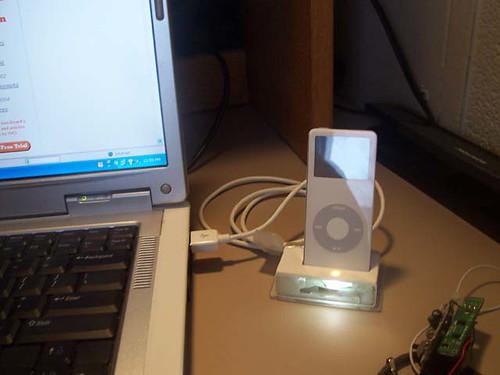 Homemade iPod Nano Dock