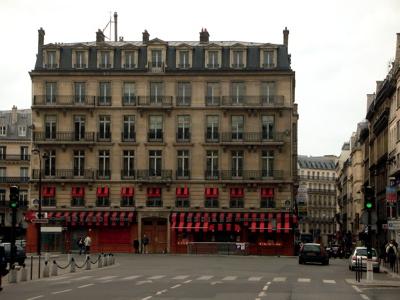 lulu loves london paris diary place de la madeleine. Black Bedroom Furniture Sets. Home Design Ideas