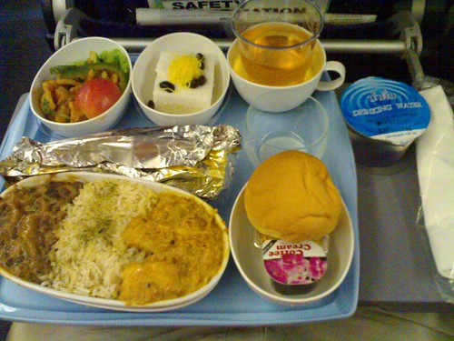 The Traveling Hungryboy: SQ39;s Hindu NonVegetarian Meal