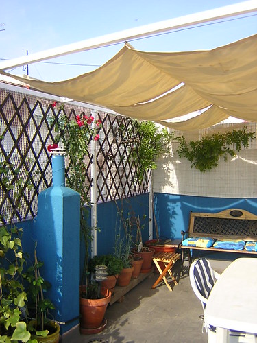 Como fabricar un toldo barato sombrillas de brezo - Toldos para patios interiores ...