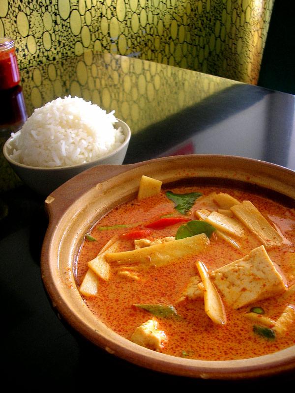 ploy veggie curry