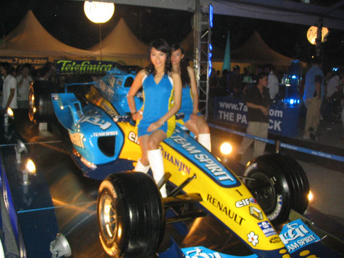 F1 Car and Girls