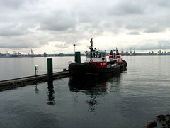 tugboat at lonsdale