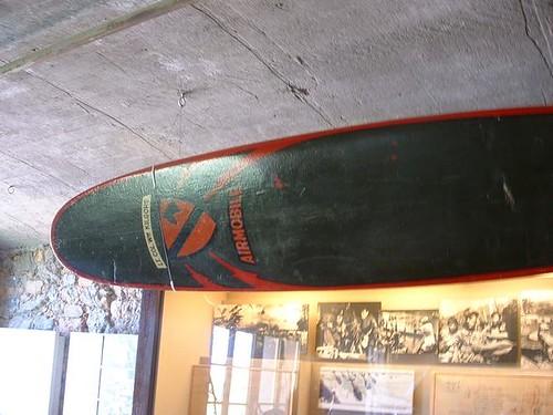 127037237 a49ee2c543 El surf de las tinieblas  Marketing Digital Surfing Agencia