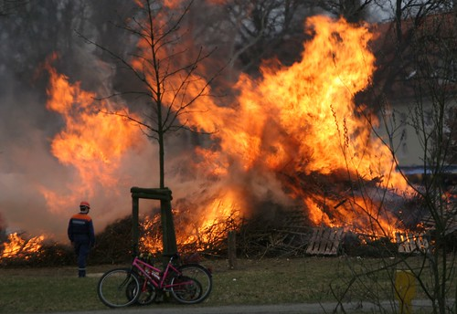 Osterfeuer in KW