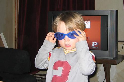 Louis met zonnebril
