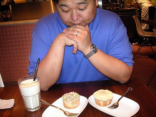 16Apr06 Toast Cupcake
