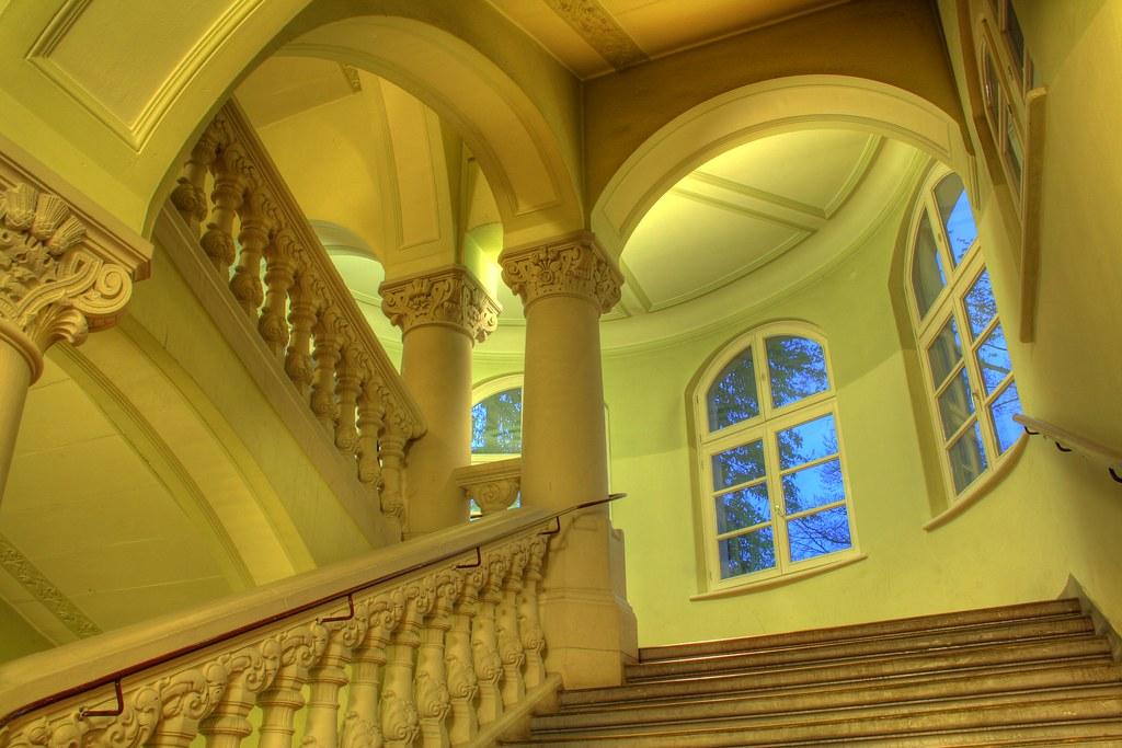 Die ehrwürdigen Hallen einer Hochschule. Lieblingsbeschäftigung hier oft: Bürokratie.