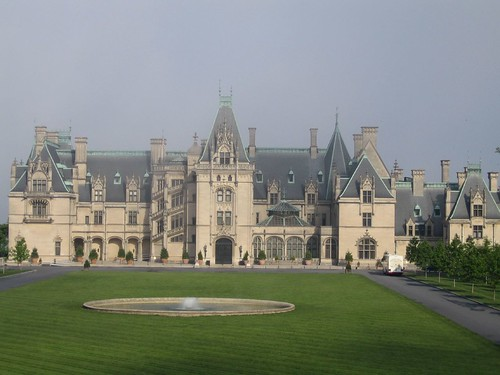 Some questions regarding the haunting of hill house for Is biltmore estate haunted