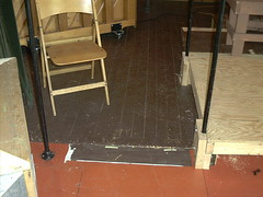 StageRightBase Theaterbühne aus Rohrverbindern