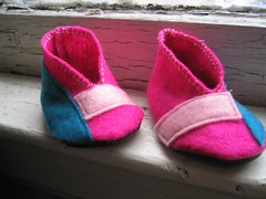 Bitty Booties Pink