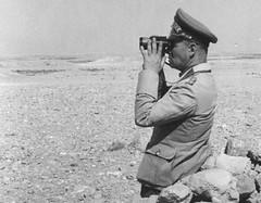 Rommel à Bir Hakeim source : ostfront.forumpro.fr