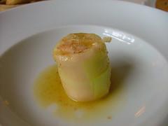 Porro salmone zenzero e olio di nocciole