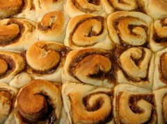 496943_cinnamon_rolls
