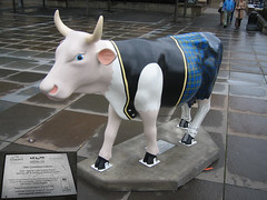 No 92 The Commoonicators at Edinburgh Cow Parade 2006
