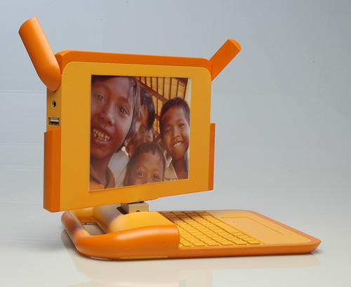 laptop-orange-rotate