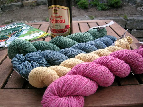 mmmm....yarn prize and beer