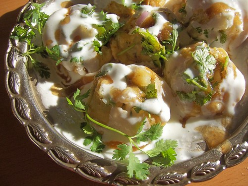 floating filled puris in curd