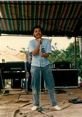 budi-nyanyi-itb80s