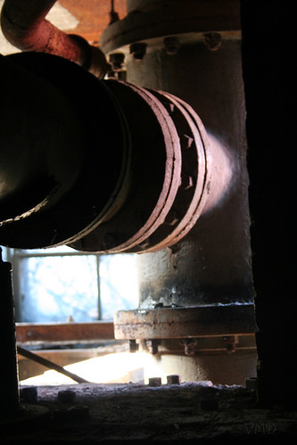 the thrust of the pipe