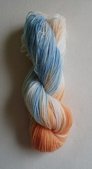 sininen ja oranssi