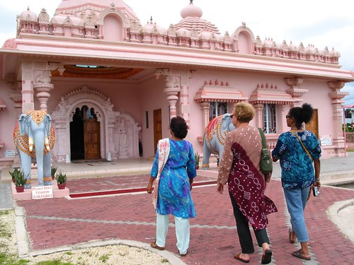 Hanuman Murti & Dattatreya Yoga Centre & Mandir