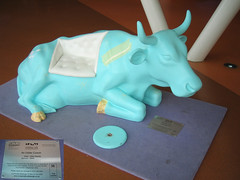 No 35 An Udder Cowch at Edinburgh Cow Parade 2006